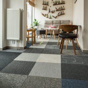 Farebné koberce - kobercové dlaždice - koberec namieru - 50 odtieňov sivej